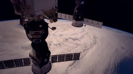 In motion – Time Lapse de la terre depuis l'espace