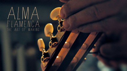 Fabrication d'une guitare flamenco : 300 heures en 3 minutes