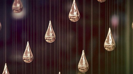 Kinetic Rain : les gouttes suspendues de l'aéroport de Singapour