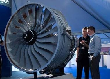 Un réacteur Rolls-Royce en LEGO