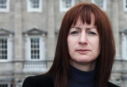 Clare Daly – Obama est un hypocrite et un criminel de guerre